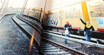 Review: Analog vs. Digital – Trainwriting Art Photography 2001-16