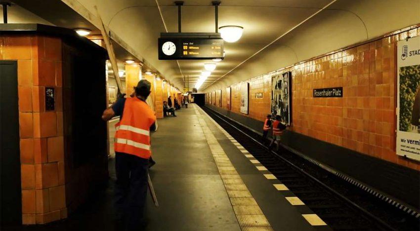 TOY: Wir hängen im Bahnhof ab