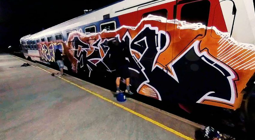 Show Must Go On: Painting Graffiti in 360°