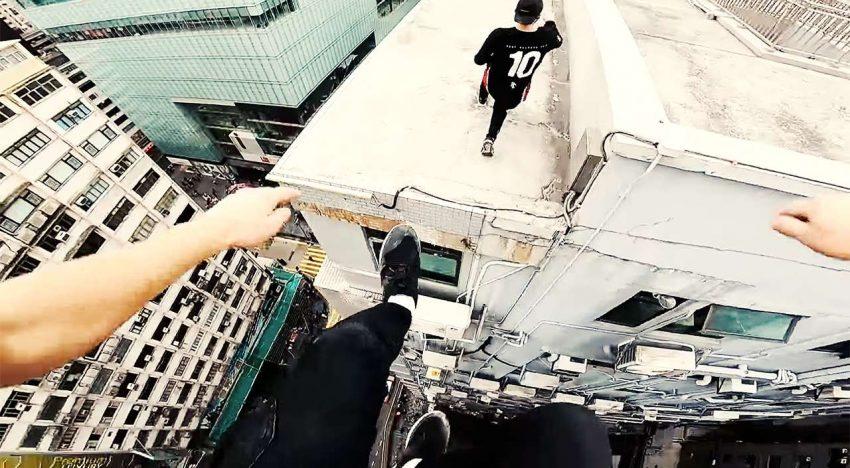 Hong Kong: Rooftop POV Escape