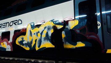 Sleeplezz: Italy Train Writing