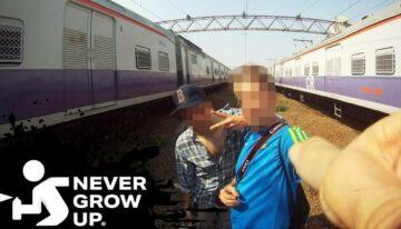 Never Grow Up #6 – Indien
