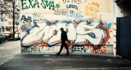 Pöbel MC – Farbverbrecher*innen Vol. 1